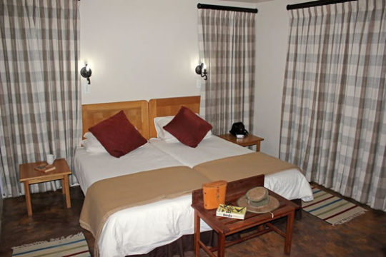 chalet-main-bedroom-2